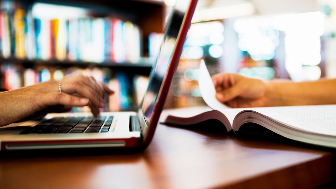 Laptop v book