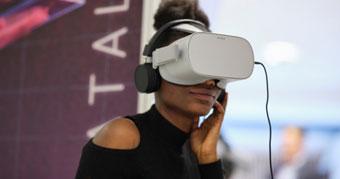 Delegate using a VR headset at Networkshop47