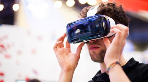 Using a virtual reality headset at Jisc Digital Festival 2015